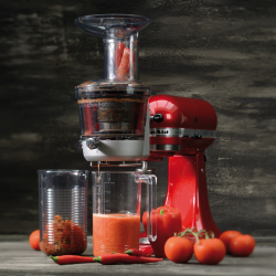 Slow Juicer and Sauce Attachment